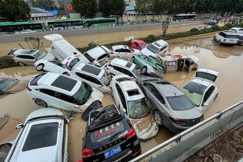 鄭州大水淹城 供應鏈陷入困境推高物價