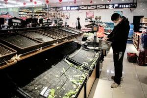 超市員工頻傳感染 武漢市民困守家中吃醬菜