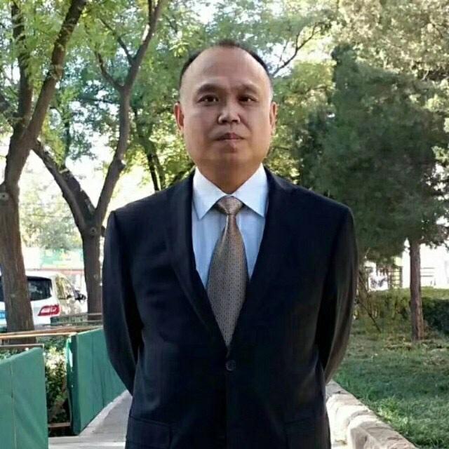 余文生律師被非法關押一千多天後,2020年8月14日上午,終於與二審代理律師盧思位見面。其妻許艷說,聽到他的身體受到傷害,即擔心又氣憤。(推特圖片)