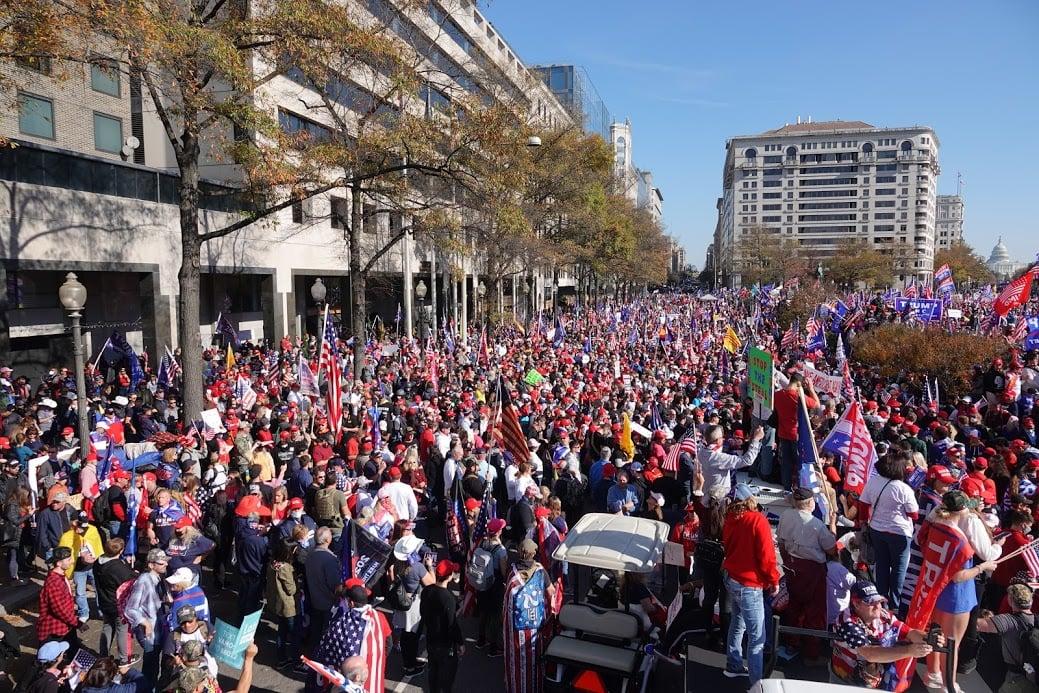 2020年11月14日,50萬美國人在華盛頓舉行「停止竊選撐特朗普」集會。(亦平/大紀元)