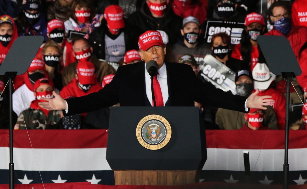 10月17日晚,特朗普總統來到了美國威斯康辛州的簡斯威爾(Janesville)發表了關於法律與秩序的演講(law and order)。(張玄宇/大紀元)