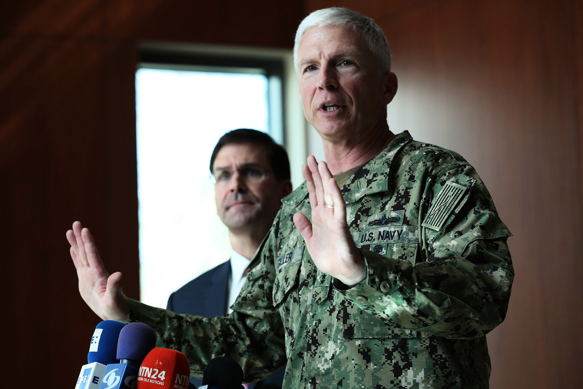 美國南方司令部司令、海軍上將法勒(Craig Faller)3月16日向美國國會作證,中共對美國的威脅已經逼近美國的家門口。圖為2020年1月23日法勒上將在南方司令部駐地佛羅里達州多拉市(Doral)講話。(Joe Raedle/Getty Images)