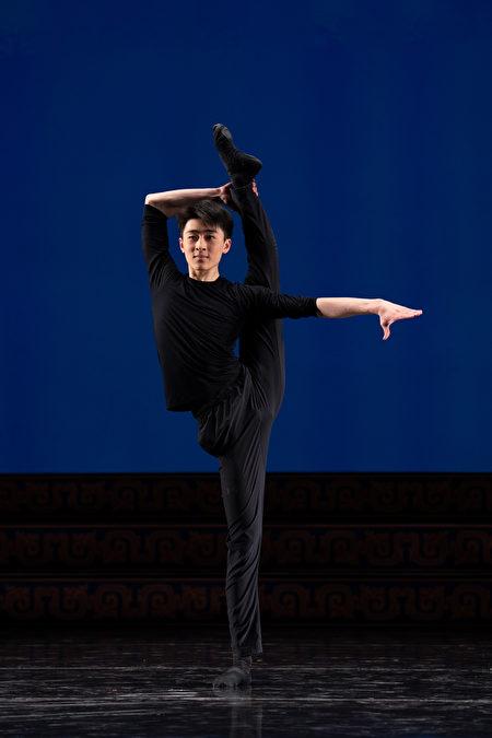 來自紐約飛天藝術學院的第九屆全世界中國古典舞大賽選手胡昊清。(愛德華/大紀元)