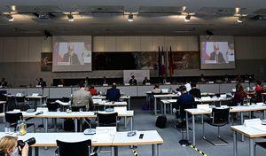 法德總理出席聯合議會 鞏固兩國關係 (多圖)