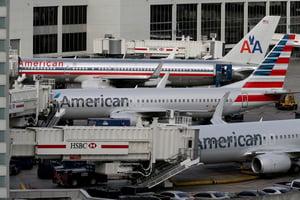 美國航空公司警告25,000名員工將失業