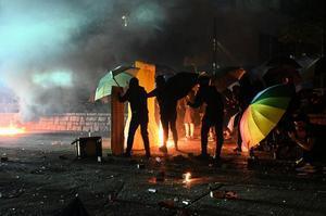 林鄭見習、韓後 港警12天內抓捕1500人