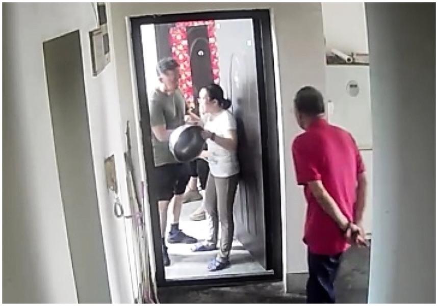 被非法拘禁家中 杭州訪民無法購物 擊盆抗議
