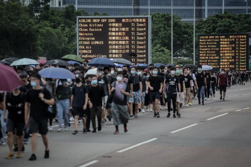 2019年8月12日,香港機場航班取消。(VIVEK PRAKASH/AFP)
