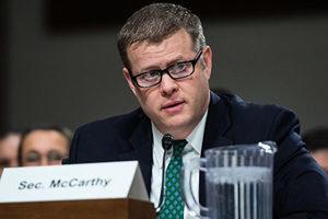 美陸軍部長:總統就職典禮前留意潛在內部威脅