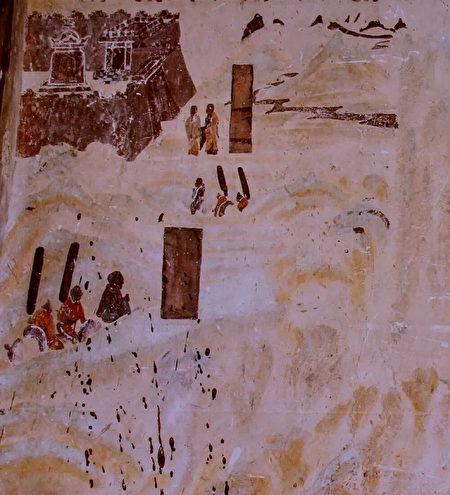 敦煌莫高窟第323窟北壁的佛教史跡圖之「張騫出使西域」,表現張騫翻山越嶺,到達大夏國。(公有領域)