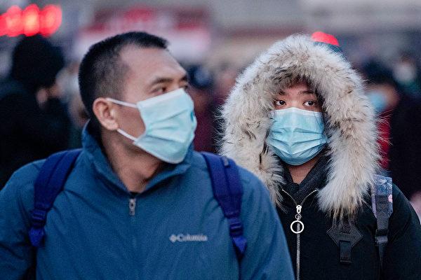 中國大陸中共肺炎疫情持續擴散,台灣疾管署防疫醫師黃婉婷表示,中共肺炎疫情可能持續性人傳人,且有社區傳染。圖為示意圖。(Kevin Frayer/Getty Images)