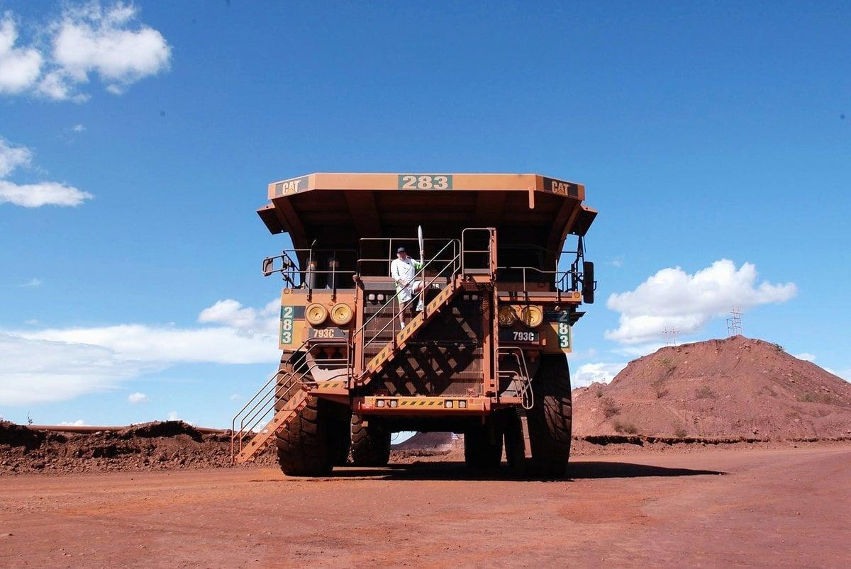 近期國際鐵礦石價格飆漲,中共因急需便宜鐵礦石維繫鋼鐵生產,近日放下身段聯絡澳洲礦業巨頭。圖為位於澳洲紐曼(Newman)的一處必和必拓的鐵礦石開採場。(prpix.com.au via Getty Images)