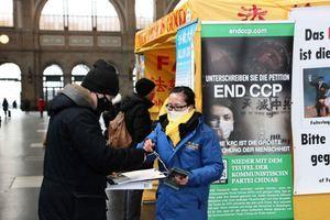 人權日 瑞士民眾支持法輪功學員制止中共迫害