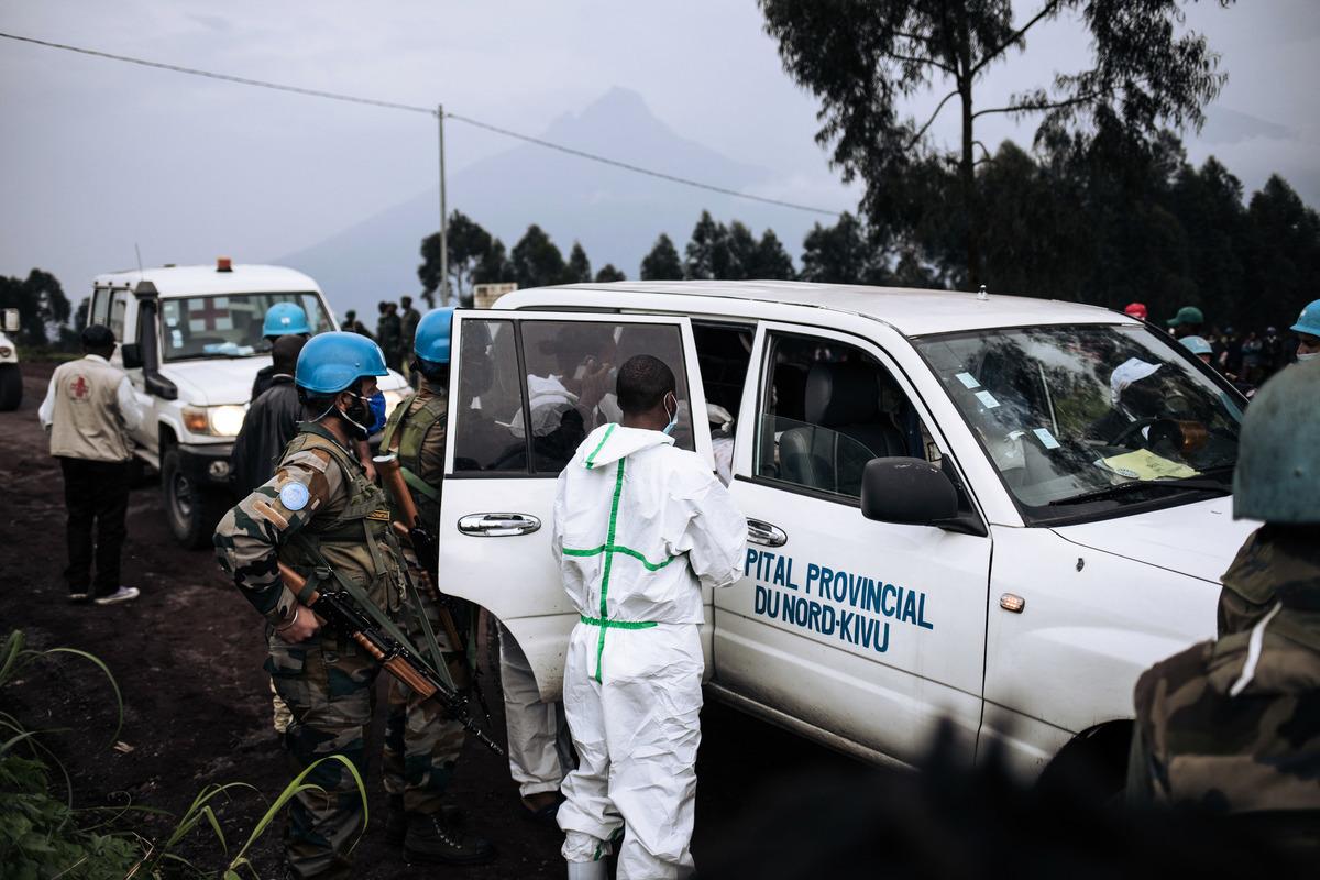 2021年2月22日,意大利和聯合國表示,一支聯合國車隊在民主剛果東部遇襲,意大利駐剛果民主共和國大使,他的保鏢和世界糧食計劃署一名司機被殺。圖為現場。(ALEXIS HUGUET/AFP)