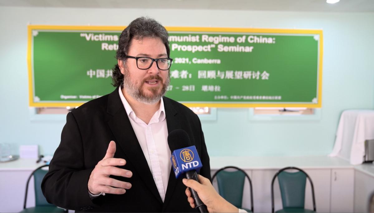 澳洲聯邦議員克里斯滕森(George Christensen)在接受新唐人電視台採訪時表示,中共犯下種族滅絕罪,澳洲有充份理由,拒絕參加北京冬奧會。(新唐人影片截圖)
