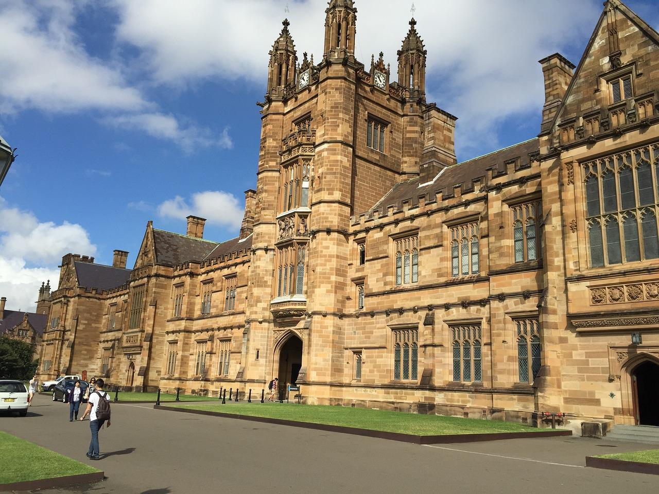 人權觀察澳洲董事皮爾森(Elaine Pearson)4月4日特意撰文,建議澳洲高校採取行動抵制中共影響澳洲校園。圖為悉尼大學。(Pixabay.com)