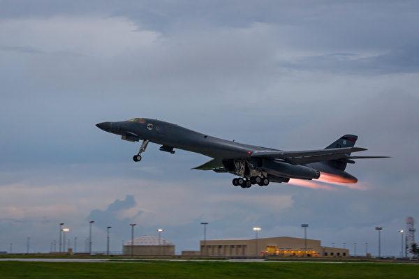 美超音速轟炸機台海頻現蹤 專家:警告中共