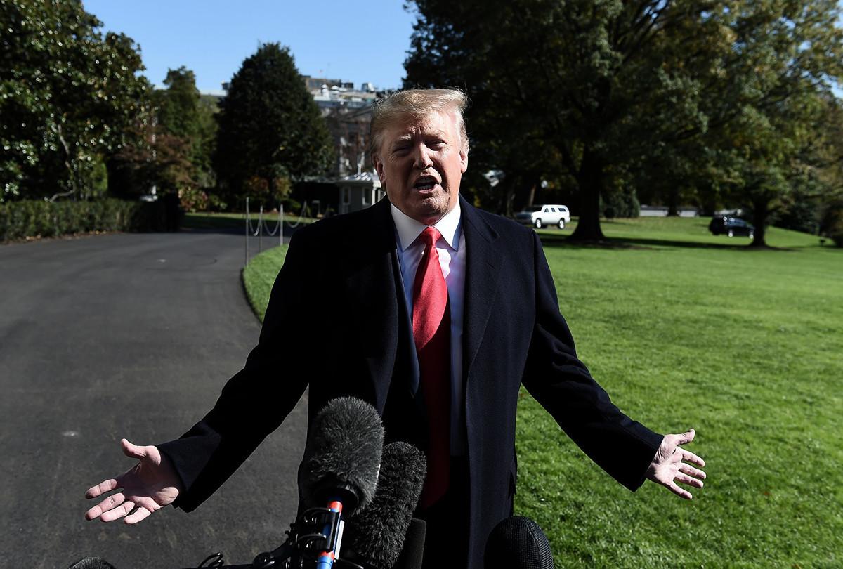 特朗普總統11月3日表示,中美貿易協議的簽署地點很容易選擇,但要首先完成協議。(Olivier Douliery / AFP)