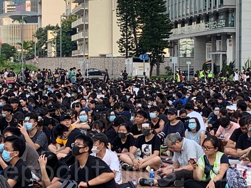 【8.22反送中】二千多中學生愛丁堡廣場舉行反送中集會