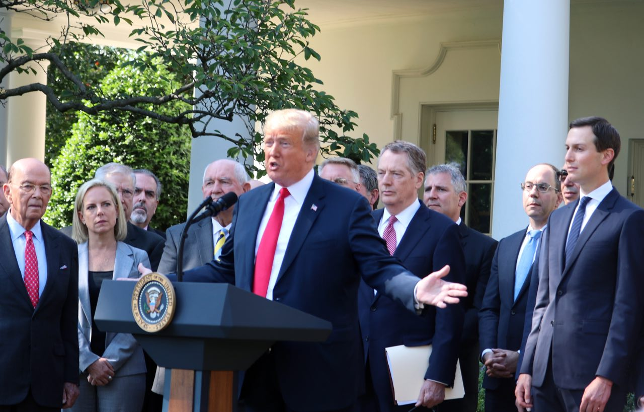 2018年10月1日上午,美國總統特朗普就北美貿易協定在白宮玫瑰園舉行新聞發佈會。(亦平/大紀元)