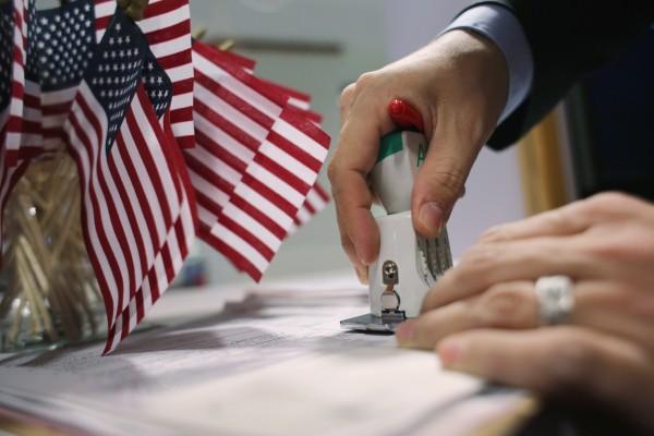 特朗普或將簽署擴大移民限制的行政令
