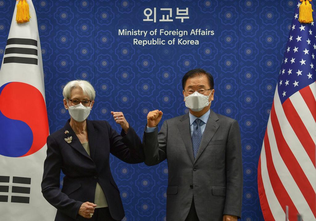 2021年7月22日,美國副國務卿舍曼訪問南韓。(Song Kyung-Seok-Pool/Getty Images)