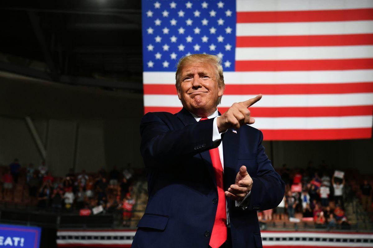 中國問題專家格茨(Bill Gertz)日前接受媒體採訪時表示,中共正在干擾美國大選,以期阻止特朗普連任。(Nicholas Kamm / AFP)
