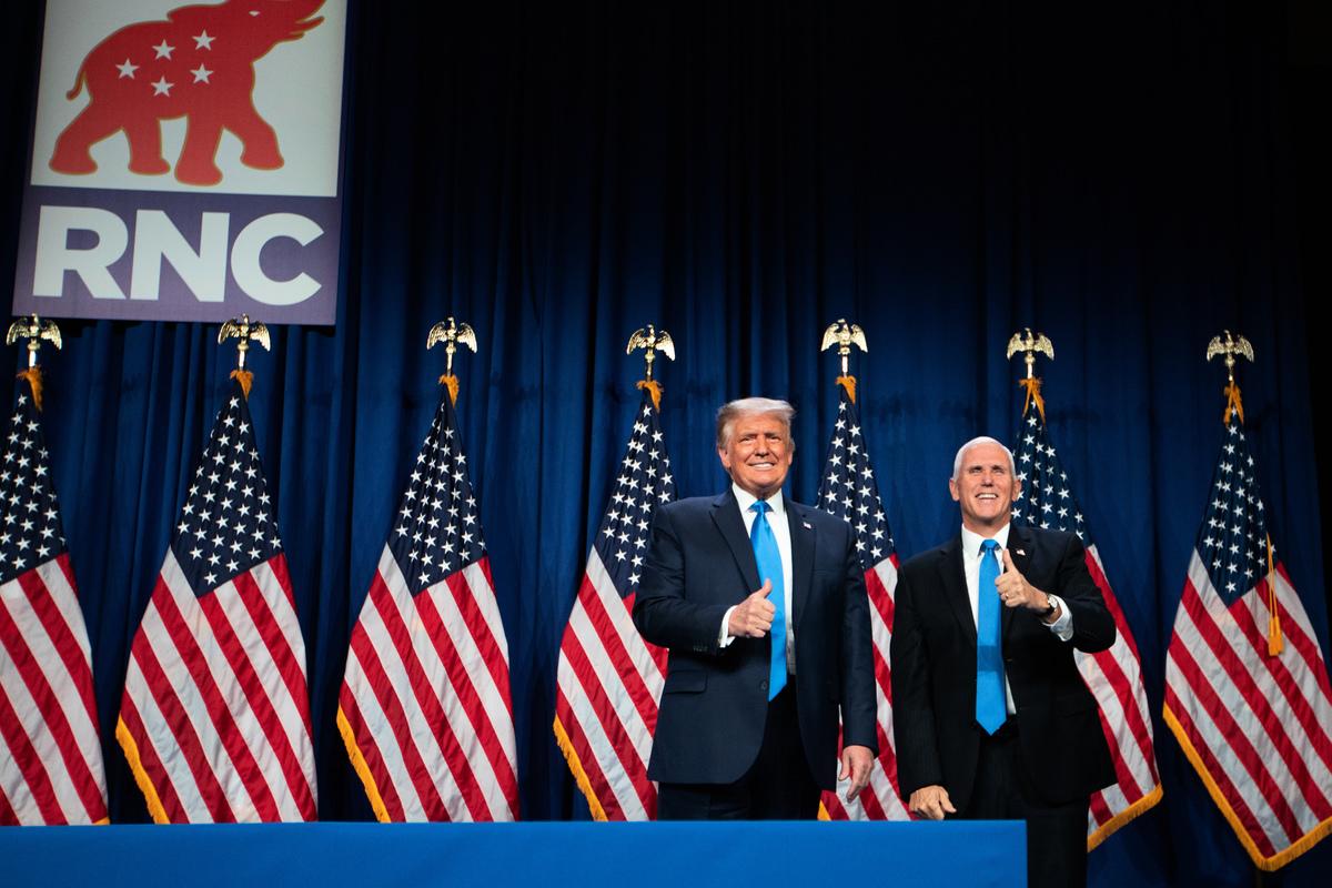 2020年8月24日,共和黨全國代表大會在北卡羅萊納州夏洛特(Charlotte)登場,唱名表決通過提名美國總統特朗普和副總統彭斯,成為2020年美國總統選舉共和黨總統和副總統候選人。(Photo by Logan Cyrus / AFP)