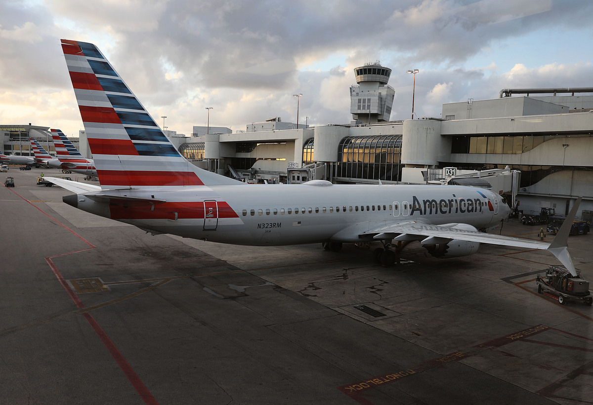 波音公司737 MAX噴氣客機(如圖)在五個月內連續發生兩次空難事件,知情人士透露,美國交通部在去年10月獅航墜機後即對聯邦航空管理局(FAA)展開調查,以了解該款客機獲得認證的原因。美媒報道說,這是相當不尋常的調查。(Joe Raedle/Getty Images)
