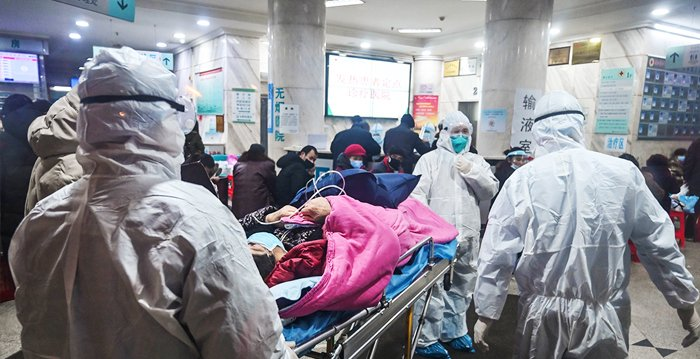 中共肺炎(武漢肺炎)爆發後,中共當局一直隱瞞疫情,致使疫情迅速蔓延。圖為武漢一家醫院。(HECTOR RETAMAL/AFP via Getty Images)