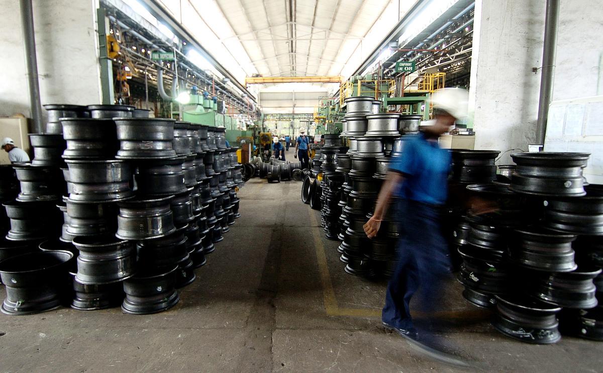 周五(3月22日),美國商務部宣佈完成終判,確認自中國大陸進口的鋼輪(steel wheels)具有傾銷及補貼的事實,幅度(比率)分別為231.70%及457.10%。(LAKRUWAN WANNIARACHCHI/AFP/Getty Images)