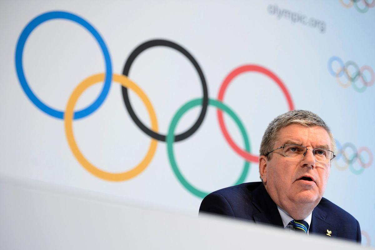 國際奧委會主席托馬斯·巴赫(Thomas Bach)樂觀地表示,環法賽的成功證明,即使沒有疫苗東京奧運仍可能順利舉辦。(FABRICE COFFRINI/AFP/Getty Images)