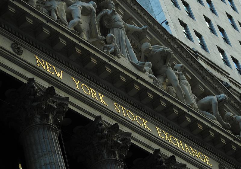 美國股市和債市2019年至今罕見地同步增長,創下約25年來最佳表現;同時這一趨勢仍在繼續在第四季度延續。圖為紐約證券交易所。(EMMANUEL DUNAND/AFP)