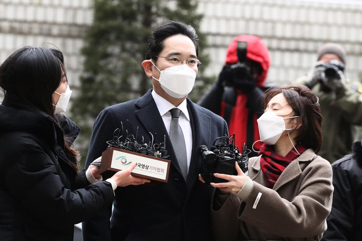 2021年1月18日,在南韓首爾,三星副會長李在鎔抵達首爾中央地方法院。(Chung Sung-Jun/Getty Images)