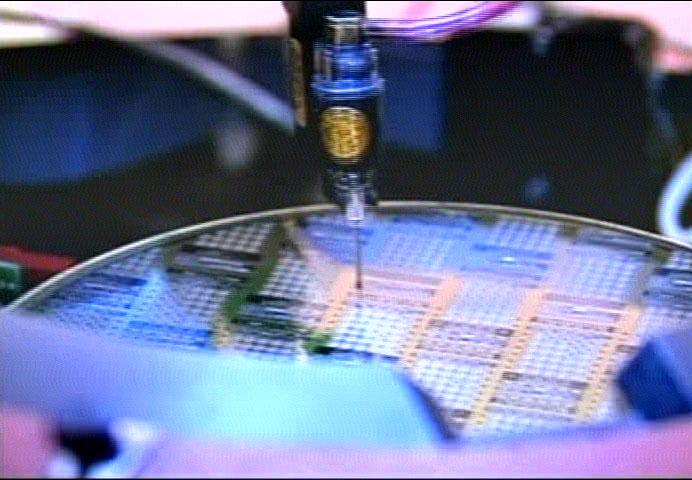 大陸的晶片製造技術遠遠落後於國際水平,華為恐難繼續生產高端5G設備。(新唐人)