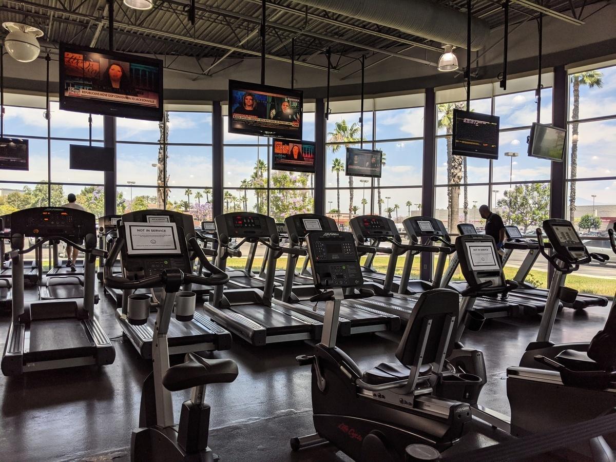 2020年6月12日甫重啟的加州健身室再度面臨關閉。(徐繡惠/大紀元)
