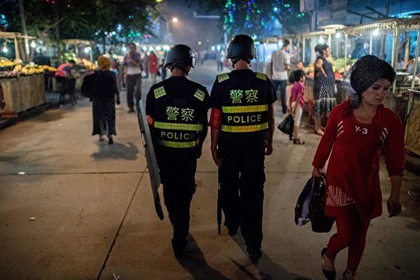 新疆「再教育營」侵犯人權的問題備受外界關注。(JOHANNES EISELE/AFP/Getty Images)