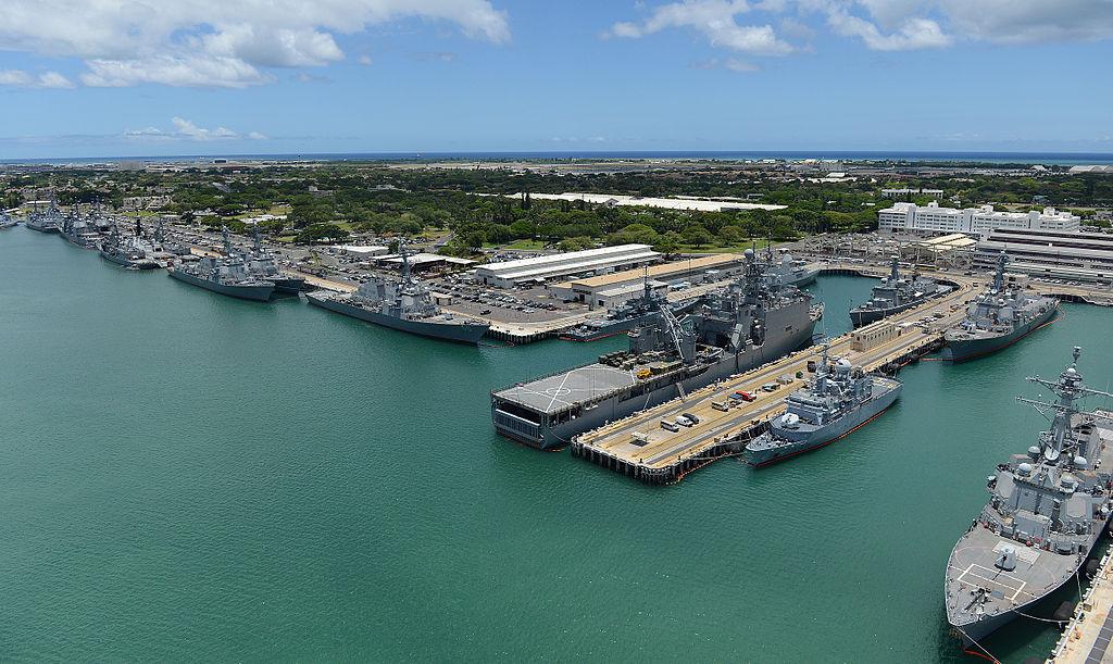 美國國務院表示,國務卿蓬佩奧2020年6月17日在珍珠港希卡姆空軍基地會見中共主管外事工作的政治局委員楊潔篪。(公有領域)
