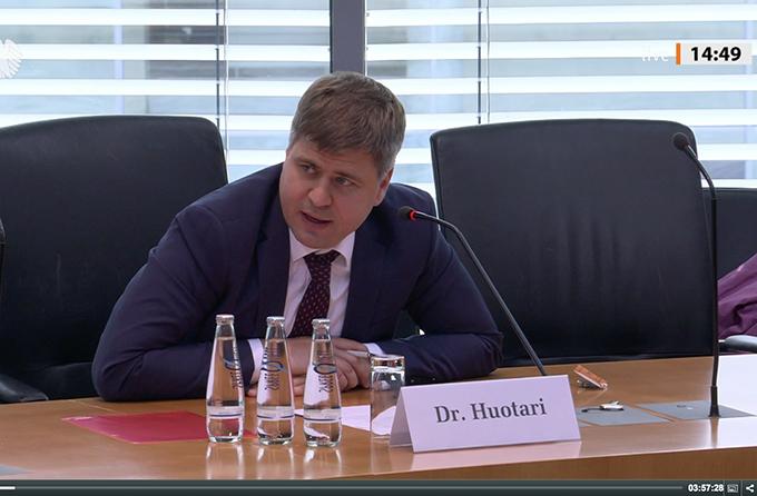2020年6月29日,墨卡托中國研究中心副主席胡謐空在德國聯邦外交事務委員會的公開聽證會上發言。(影片截圖)
