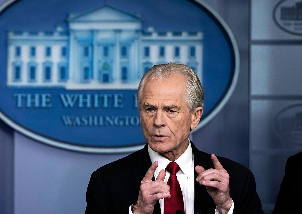 白宮貿易顧問彼得·納瓦羅(Peter Navarro)2020年4月14日表示,以中共為中心的WHO「雙手沾滿了鮮血」。圖為納瓦羅3月27日在白宮簡報會上發言。(Drew Angerer/Getty Images)