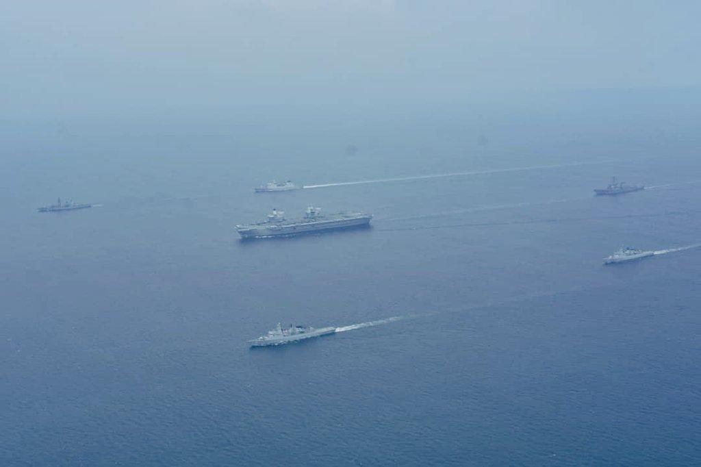 7月25日,英國海軍的伊利沙伯女王號(HMS Queen Elizabeth)航母艦隊與馬來西亞海軍共同演習,英國航母正式進入了南海。(馬來西亞皇家海軍)