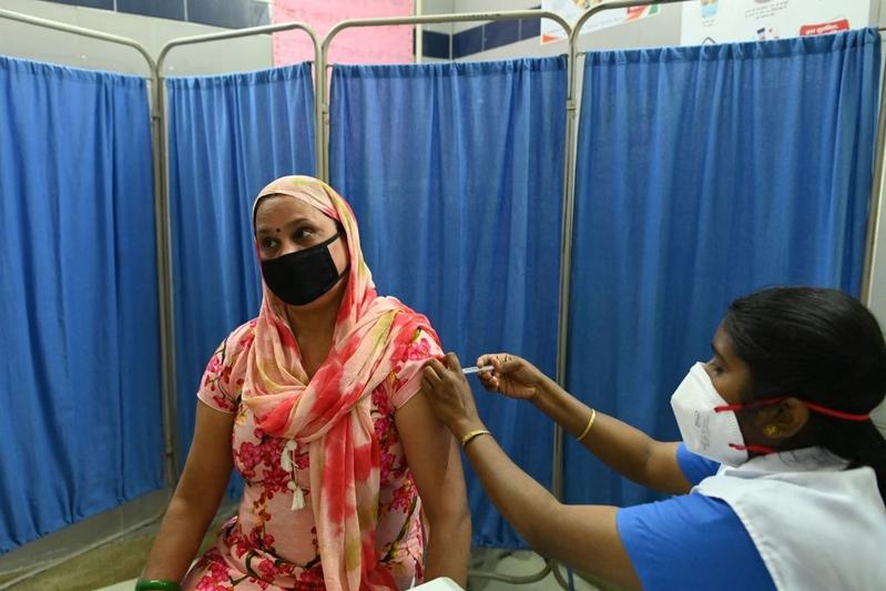印度單日確診破十萬 加強接種疫苗(多圖)
