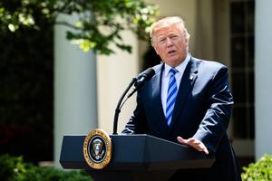 特朗普呼籲世界銀行停止借款給中共