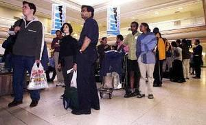 加國將要求航空入境客 出示COVID陰性證明