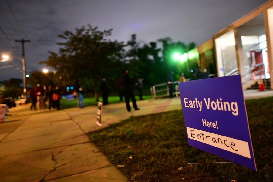 特朗普團隊:投票觀察員被拒進入費城投票站