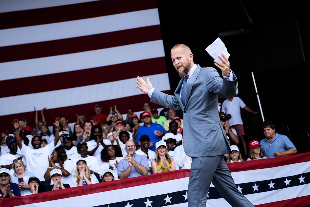 2019年5月8日,佛羅里達州巴拿馬城海灘(Panama City Beach),特朗普2020競選主任布拉德·帕斯卡爾在亞倫·貝桑特圓形劇場(Aaron Bessant Amphitheater)舉行的「讓美國再次偉大」集會上發表演講。(BRENDAN SMIALOWSKI/AFP/Getty Images)