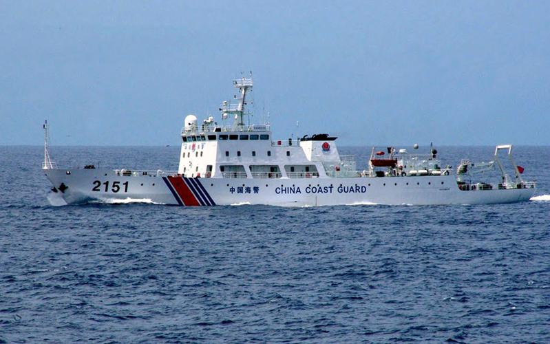 圖為中共海警船於2013年8月13日駛近釣魚台。(JAPAN COAST GUARD/AFP)