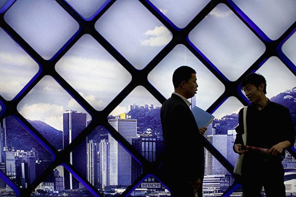 多年來,中國科技行業的員工已經接受了被稱為996的工作制度,即上午9點至晚上9點,每周六天,外加任何所需的加班時間。 (Photo by Lintao Zhang/Getty Images)