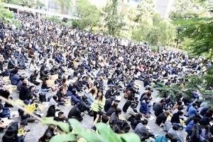 組圖:港廣告界千人集會 要求港府回應訴求