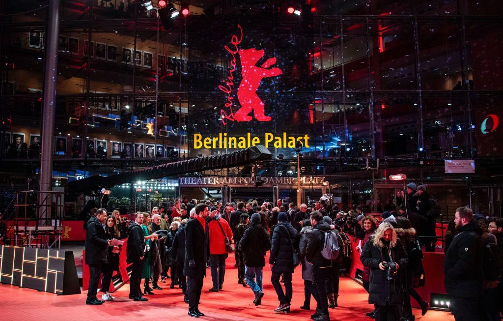 2019年2月,中國大陸兩部入圍柏林國際電影節的電影因「技術原因」退展。圖為今年2月11日柏林影展現場盛況。(PJOHN MACDOUGALL/AFP/Getty Images)